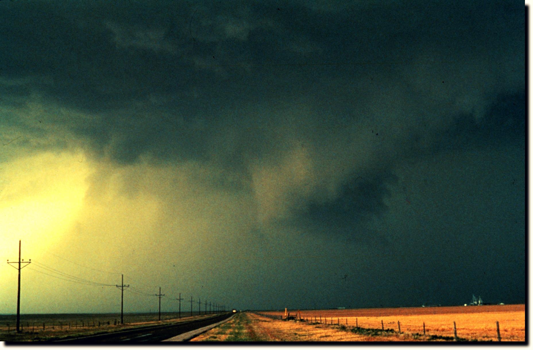 Thunderstorm_-_NOAA