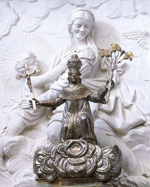 Kazimiero statulele